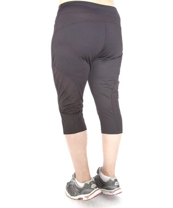 Black Essential Capri Leggings - Plus