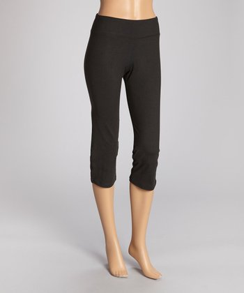 Black Flare-Back Capri Pants - Women