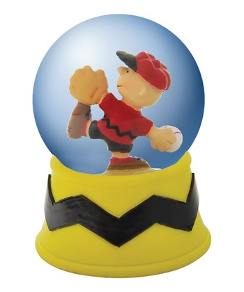 Charlie Brown Pitching Water Globe