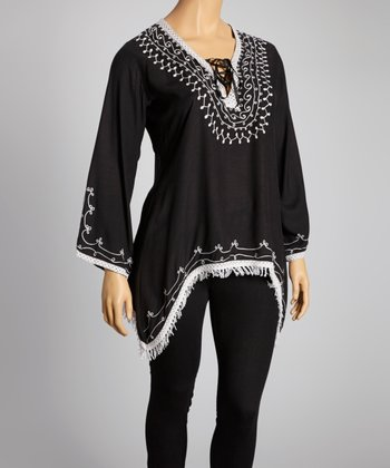 Black & White Embroidered Sidetail Top - Plus