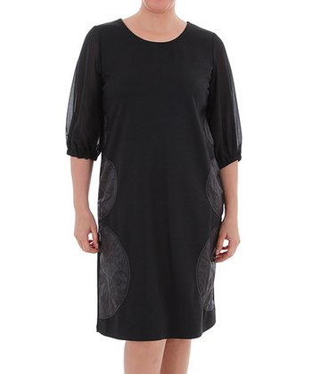 Black Scoop Neck Shift Dress - Plus
