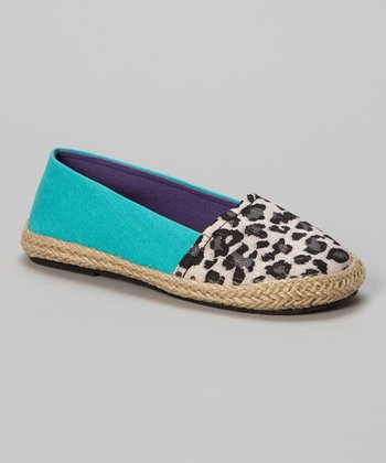 Chatties Gray & Turquoise Leopard Flat