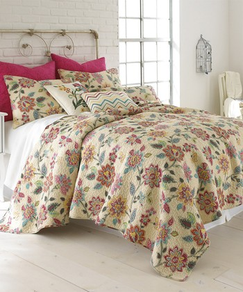Beige & Red Floral Chatelet Quilt Set