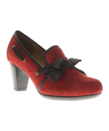 Red Enchanting Pump
