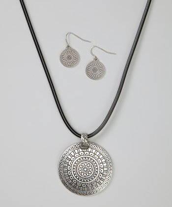 Silver Medallion Pendant Necklace & Earrings
