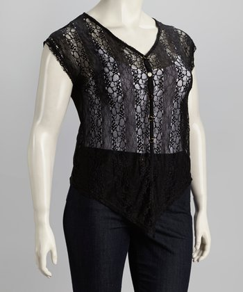 Black Sleeveless Plus-Size Button-Up