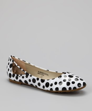White & Black Polka Dot Ballet Flat