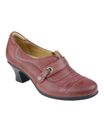 Deep Red Whirlwind Leather Pump