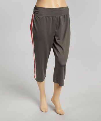 Ash & Red Open Season Capri Yoga Pants - Plus