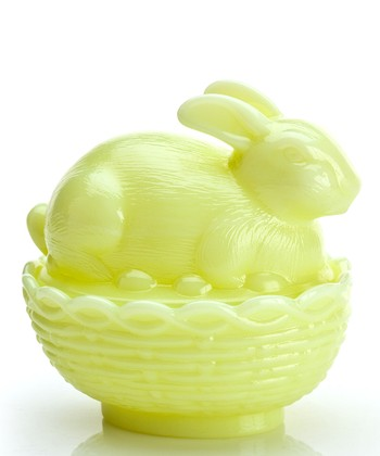 Buttercream Bunny & Basket Covered Dish