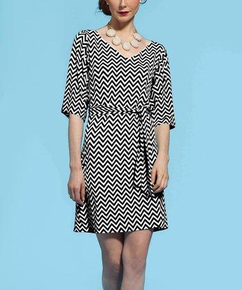 Leota Black & White Zigzag V-Neck Dress
