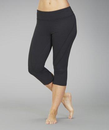 Black Platinum Back-Slit Capri Leggings - Women