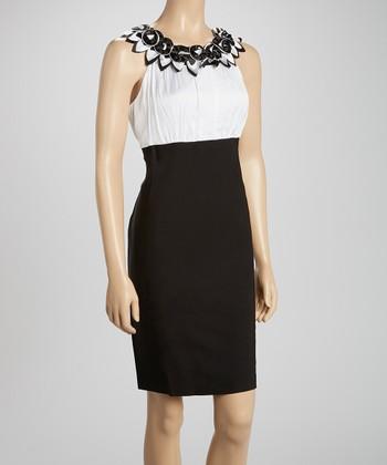 Voir Voir White & Black Rosette Sleeveless Dress