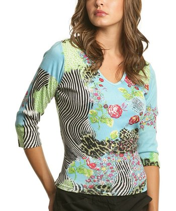 Le Mieux Blue & Green Abstract V-Neck Top - Women