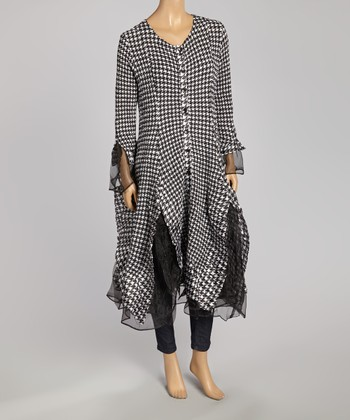 Black & White Houndstooth Duster - Women & Plus