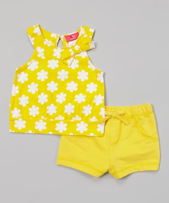 Weeplay Kids Aspen Gold Flower Bow Top & Shorts - Infant & Toddler