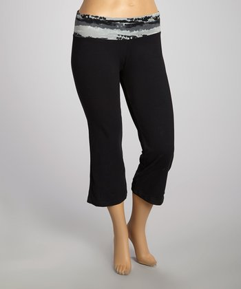 Charcoal & Black Capri Pants - Plus