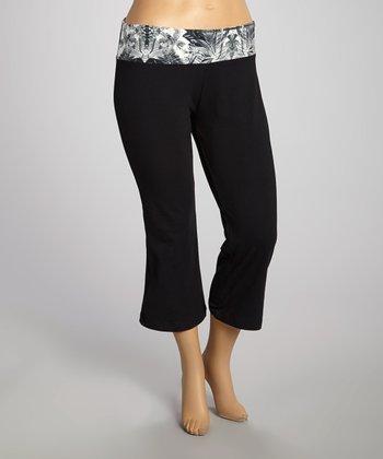 Black & White Capri Pants - Plus