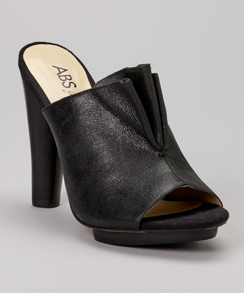 Charming Accent: Women's Shoes