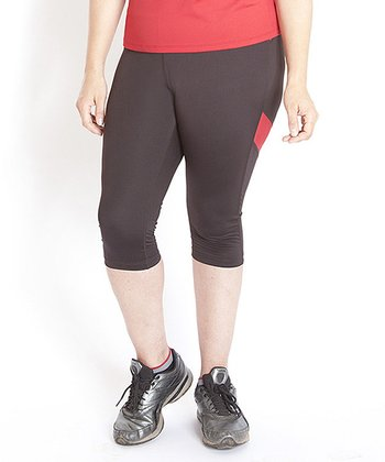 Black & Red Mesh Essential Capri Leggings - Plus