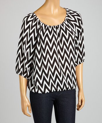 ARIA FASHION USA Black & White Zigzag Top