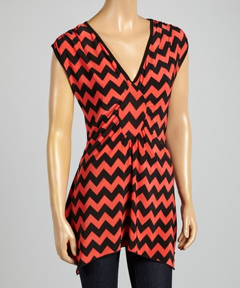 ARIA FASHION USA Coral & Black Zigzag V-Neck Tunic