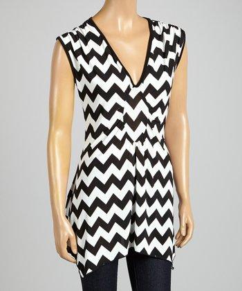 ARIA FASHION USA Black & White Zigzag V-Neck Tunic