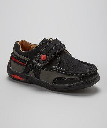 Leo & Sara Black Adjustable Sneaker