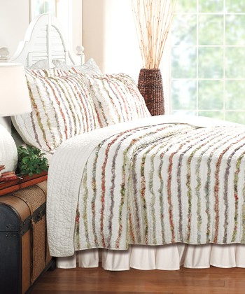 Ruffles & Lace: Bedding