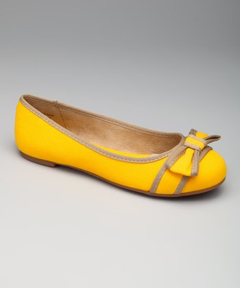 Yellow & Beige Lee Lee Flat