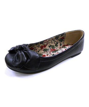 Black Ace Bow Flat