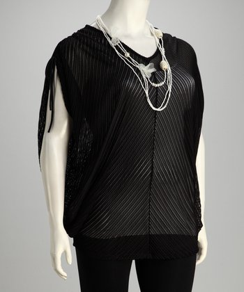 Black Knit Plus-Size Top & Necklace