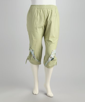 Green Floral Patchwork Plus-Size Capri Pants
