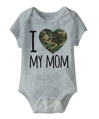 Heather Gray 'I Love My Mom' Camo Heart Bodysuit - Infant