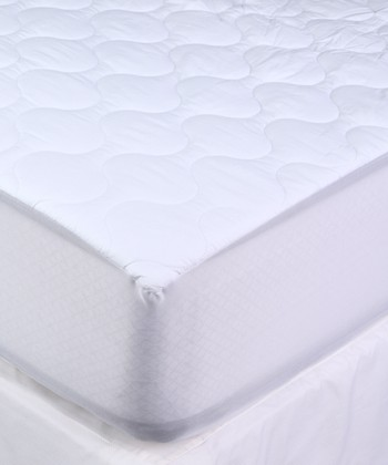 kathy ireland RESORT White Waterproof Mattress Pad
