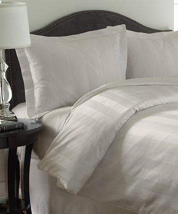 Cream Reversible Comforter Set