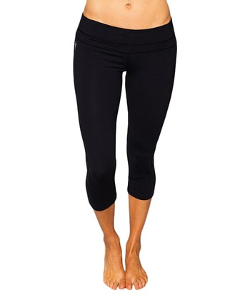 Raven Black Leo Capri Leggings