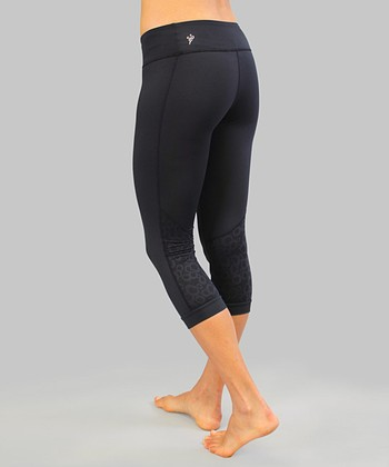 Raven Black Aquarius Capri Leggings
