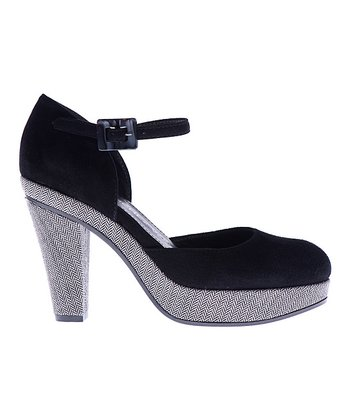 Black & White Giselle Pump