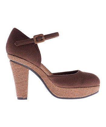 Tan Valentine Pump