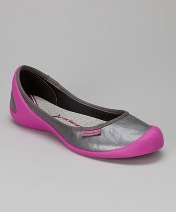 Pink & Dark Gray Zen Flat - Women
