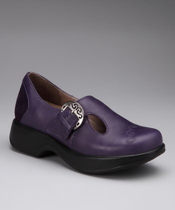 Grape Macaw Buckle Shoe