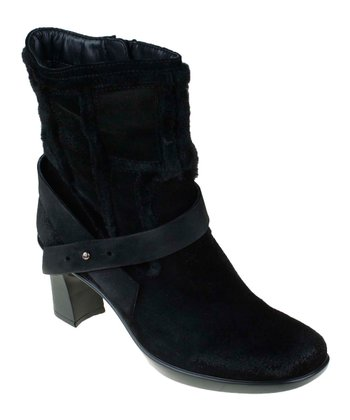 Black Snapdragon Boot