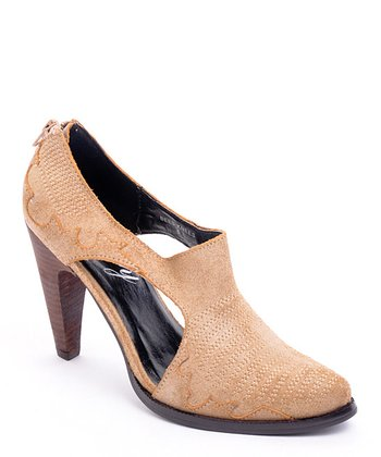 Tan Cutout Bee's Knees Pump