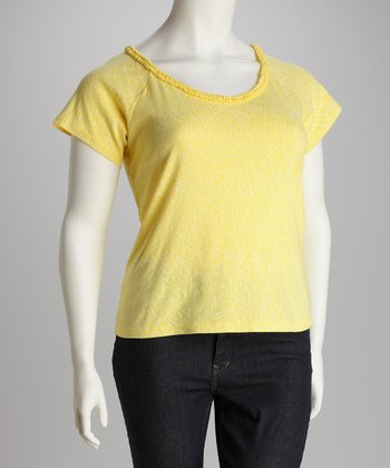 Daffodil Plus-Size Angel-Sleeve Tee