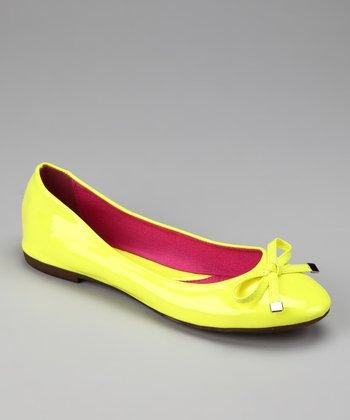 Yellow Nova Bow Flat