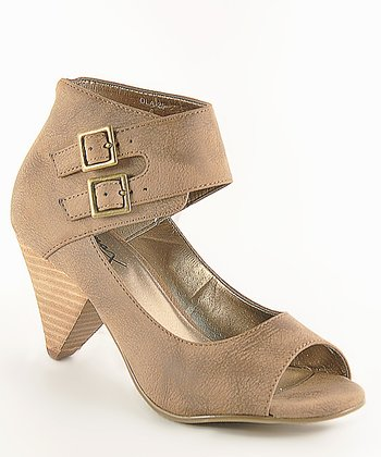 Tan Ola 25 Peep-Toe Pump
