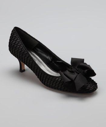 Black Bow Pump