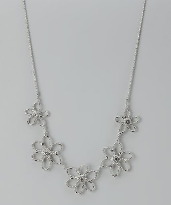 Silver Daisy Pendant Necklace
