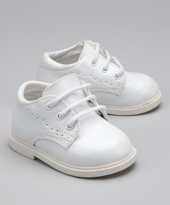 White Wingtip Dress Shoe